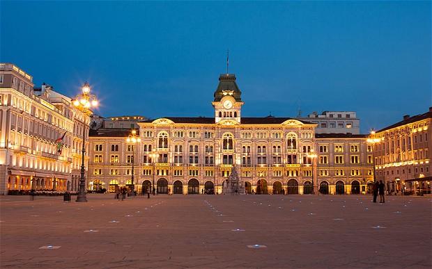 Piazza-Trieste_2726323b.jpg