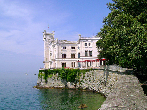 view-of-castle-miramare--tries_748.jpg